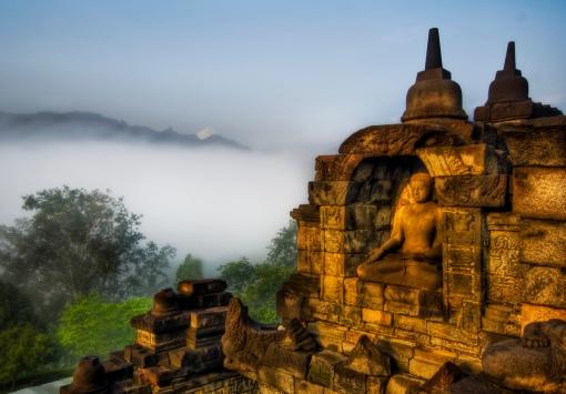 http://www.stuckincustoms.com/category/travel/indonesia/borobudur/