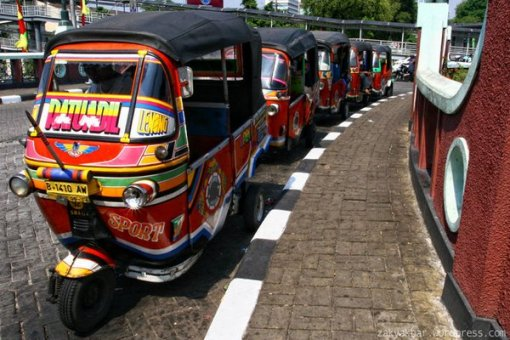 Rent a Bajaj Jakarta