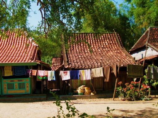 Rumah adat di Bangkalan, Madura