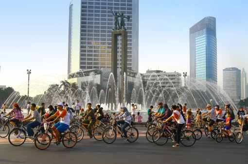"Hotel Indonesia traffic circle on ""Car Free"" Sunday morning in Jakarta"