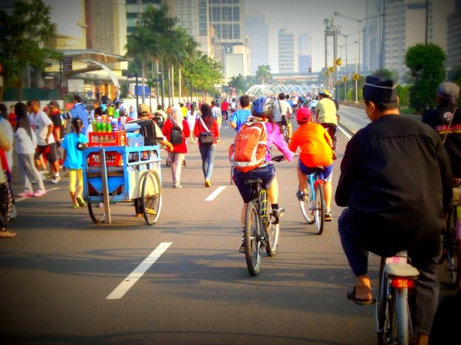 Bikes and street vendors on Jl Sudirman for Jakarta Car Free day